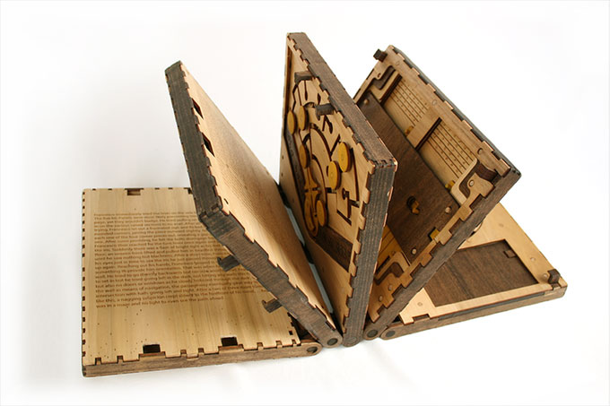 Codex-Silentia-wooden-book